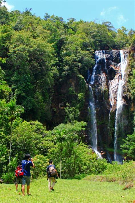 foto wisata air terjun cunca rami ntt tempat wisata