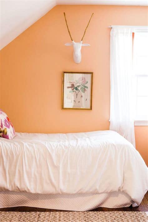 chambre b b scandinave nouvelle tendance couleur orange is the black