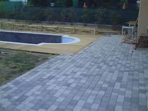 terrasse bois et paves autour d39une piscine With terrasse bois et pave