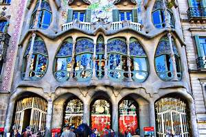 10 things to do in Barcelona: Gaudí Buildings – Casa Milà ...