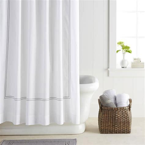 Badezimmer Gardinen Modern 10 stylish shower curtains for a modern bathroom 10