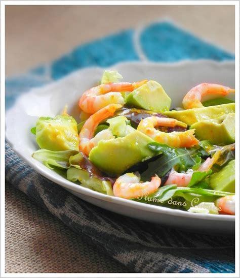 cuisine avocat salade avocat crevettes avec vinaigrette au curry une