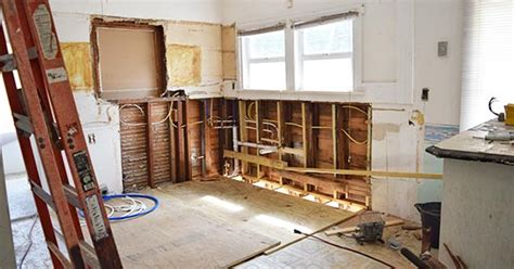 home remodeling project tips  avoid overspending