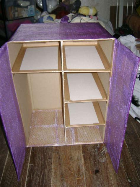 armoire pour poupee en carton le coffre  jouets de lulu