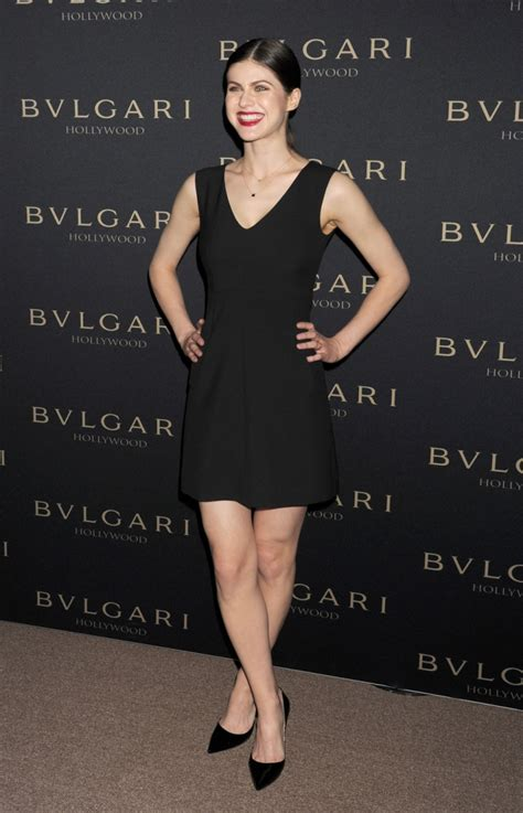 alexandra daddario weight height measurements bra size