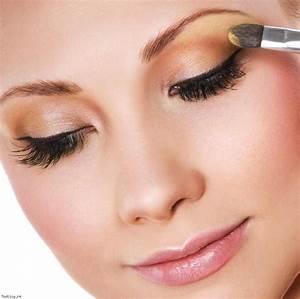 Astuce De Maquillage Pour Les Yeux Marrons : le maquillage des yeux naturel maquillage des yeux ~ Melissatoandfro.com Idées de Décoration
