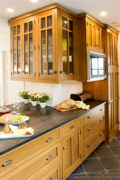 craftsman kitchen lighting 25 best ideas about light wood kitchens on 2987