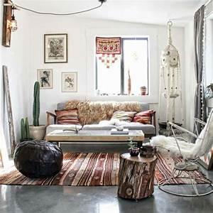 1001 designs magiques pour creer un salon cocooning With tapis ethnique avec canapé en cuir le bon coin