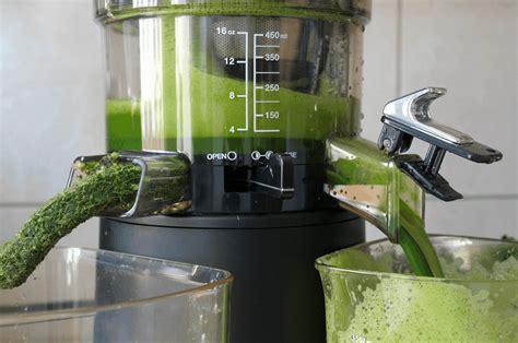 juicer greens vegetables kale spinach depth