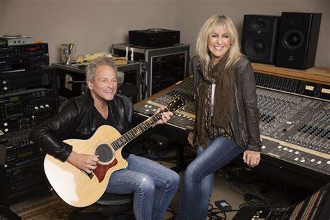 Lindsey Buckingham And Christine Mcvie Talk Fleetwood Mac's 'dysfunctional Family' Before