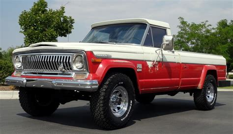 jeep  gladiator  pickup truck vintage mudder reviews  classic xs  sale