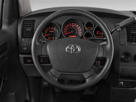 toyota steering wheel 2013 toyota tundra pictures photos gallery green car reports