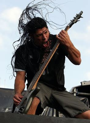Olho Fogo Robert Trujillo Killer Bass Player