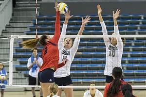 Women's volleyball defeats Oregon Ducks in five-set ...