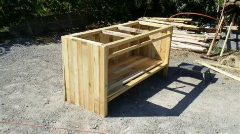 fabriquer un bureau en palette simple fabrication bar en bois de palette with fabriquer