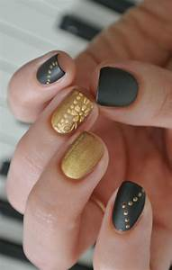 black and gold nail art | Hurr | Pinterest