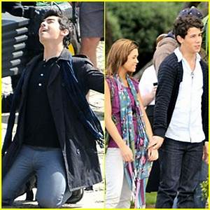 Nick Jonas & Nicole Anderson: Holding Hands on Set! | Joe ...