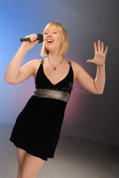 freddie mercury singing  stage picture image