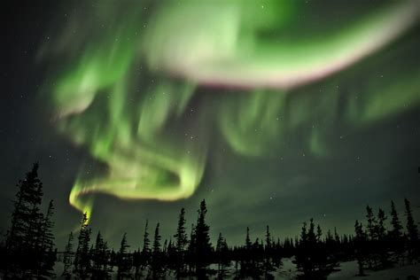 where are the northern lights located where to see the northern lights in canada