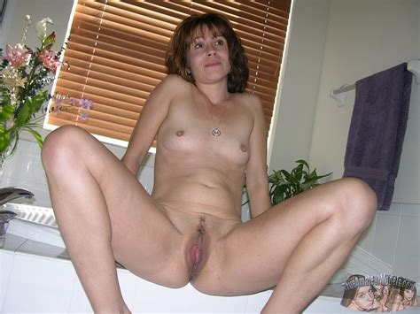 Amateur Mature Milf With Thick Nipples From