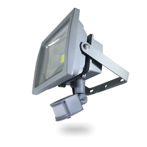projecteur exterieur led 30w avec detecteur ena5387