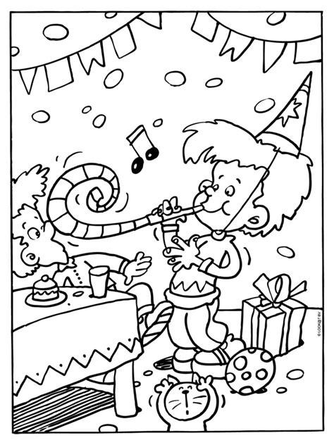 Kleurplaat Feest Verjaardag by Kleurplaat Feest Verjaardag Slingers Kleurplaten Nl