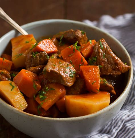beef stew wine slow cooker beef stew with red wine recipe dishmaps