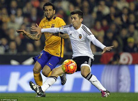 Valencia 1-1 Barcelona: Santi Mina rescues a point as Gary ...