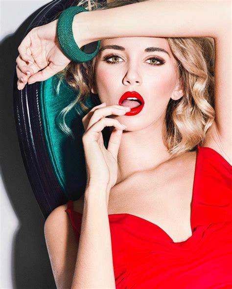 Popart And Vibrant Fashion Photography By Elena Ivskaya