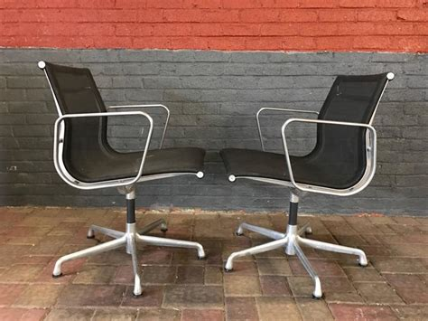 eames for herman miller aluminium chairs in black