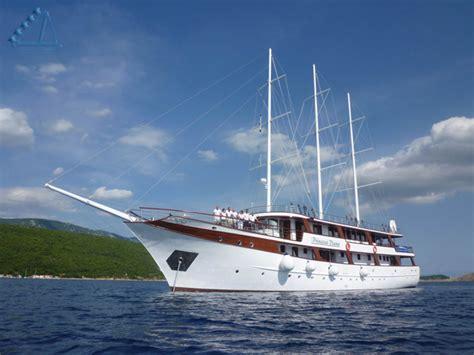 Le Lade Di Sale by Southern Dalmatia Multi Activity Cruise Adventourus