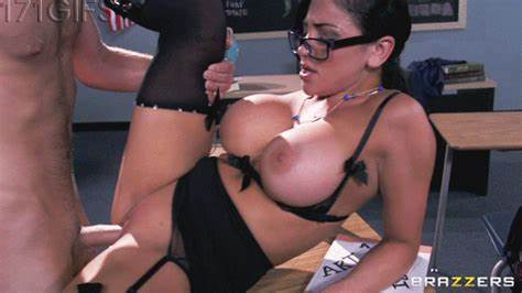 Work Section Looks Enjoying Audrey Bitoni Penetration By A Immense Hardcore Meat