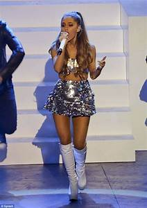 Ariana Grande hits MuchMusic video awards stage in ...