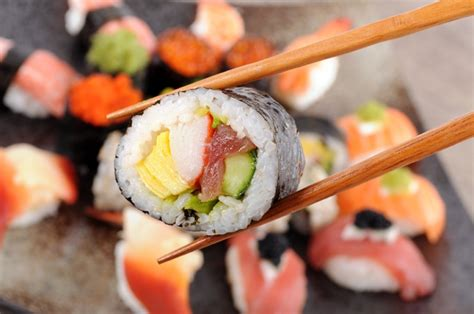 sushi ultimate guide   types  sushi