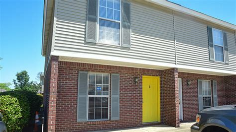 One Bedroom Apartments In Starkville Ms by The Block Townhomes Rentals Starkville Ms Apartments