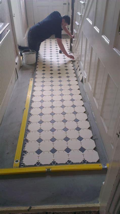 Best 25  Tiled hallway ideas only on Pinterest   Victorian