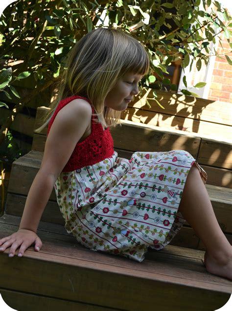 Little Girl Crochet Dresses Patterns Free
