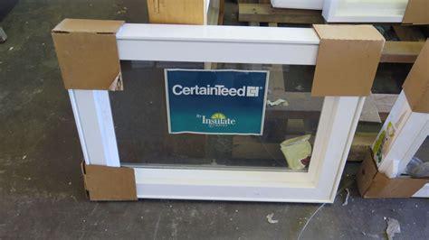 qty  certainteed white vinyl awning windows wscreens      block frame