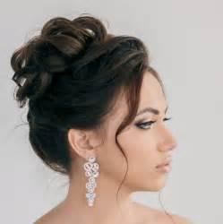 coiffure mariage chignon 55 idées romantiques de coiffure mariage cheveux longs
