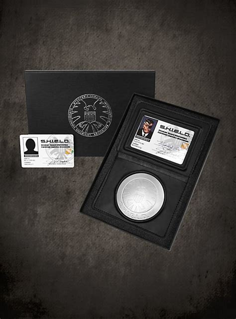 official shield nick fury id set official set