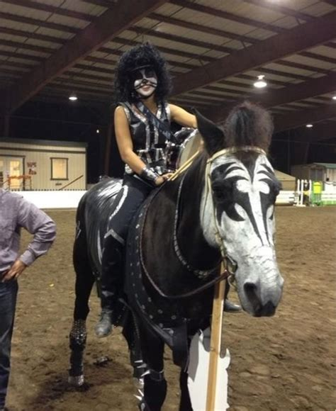 horse halloween costumes   brilliantly funny
