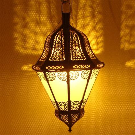 lustre marocain noir en fer cisele de marrakech maroc