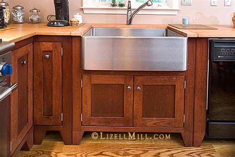 Freestanding Kitchen Cabinets  Traditional  Kitchen