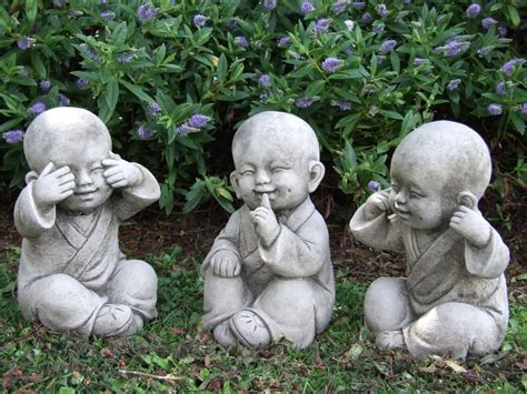 Buddha Zen Garten by Tibetan Monks Perfectly Detailed Buddha Garden Statue