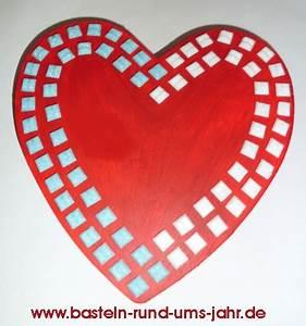 Basteln Mit Mosaiksteinen : herz schachtel eine verpackung mit mosaiksteinen basteln rund ums jahr ~ Whattoseeinmadrid.com Haus und Dekorationen