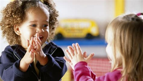 importance  clapping  early childhood