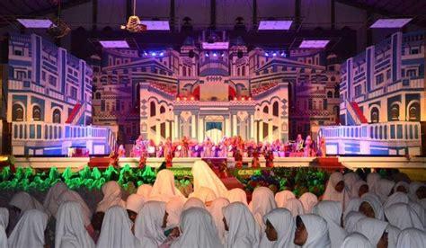panggung gembira gontor putri  usung tema gold years