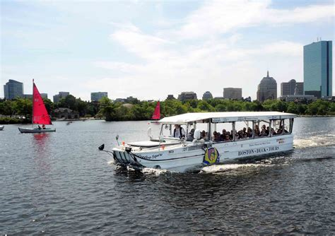 Duck Boat Tours Boston Prudential Center by Boston Sightseeing Cruises And Tours In Boston Massachusetts