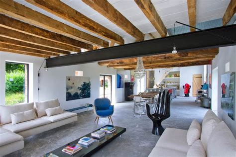 Rustic Meets Modern In An Old Barn