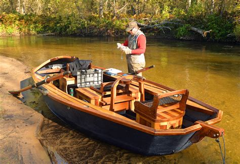 Small Fishing Boats For Sale In Michigan by Northern Michigan Fishing Guide Builds Big Boats For Small